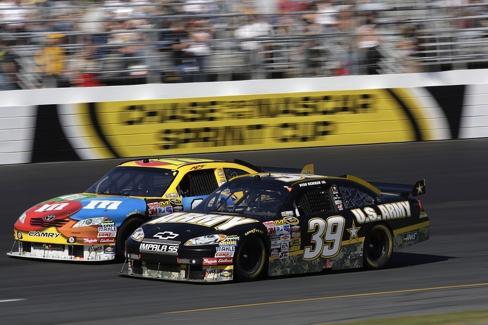 auto-racing-nascar-car-sport
