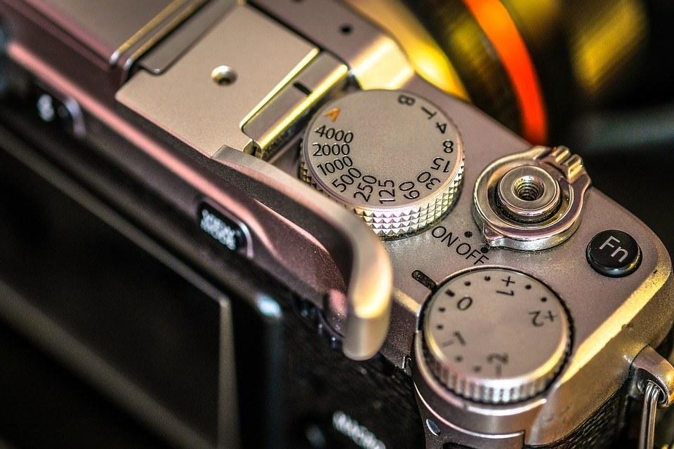 camera-detail-shutter-macro-film