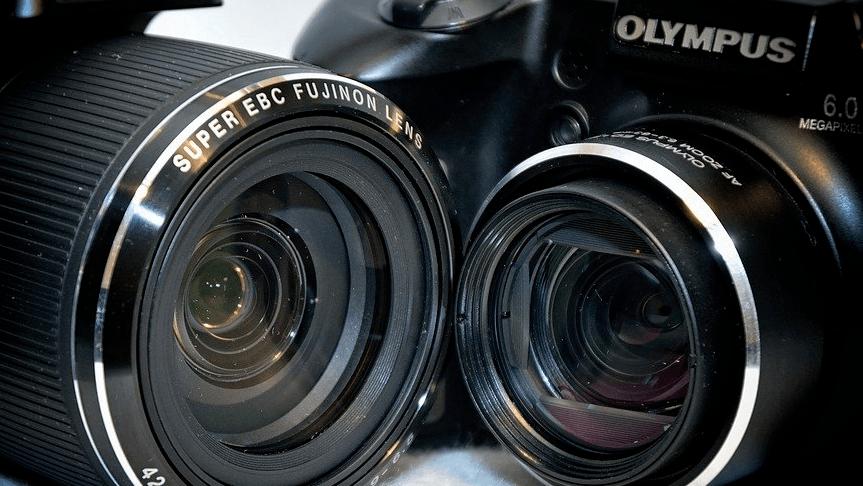 Camera Comparison: Olympus M10 Mark III vs Sony a6300