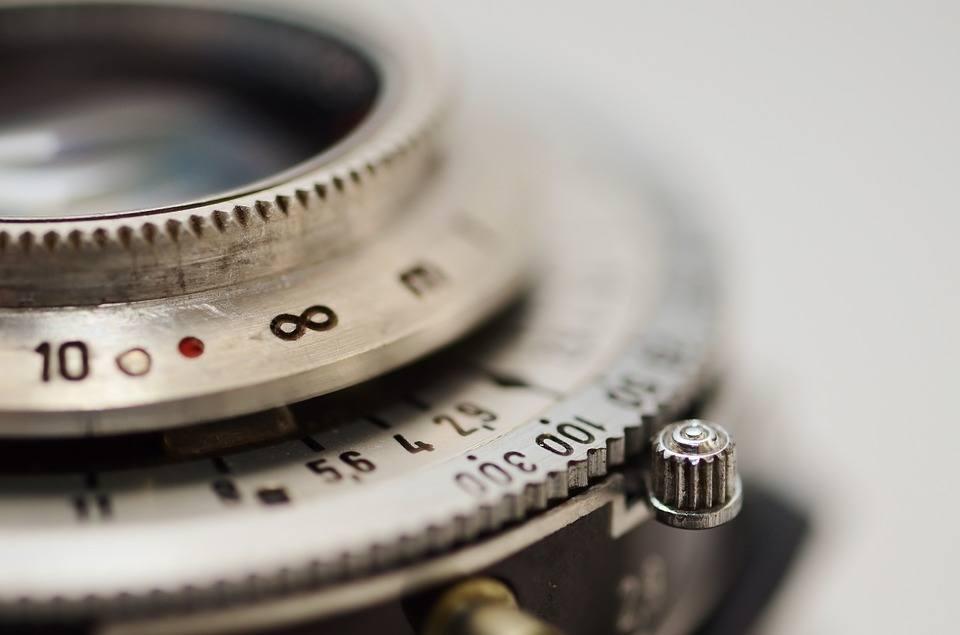 lens-shutter-aperture-infinity