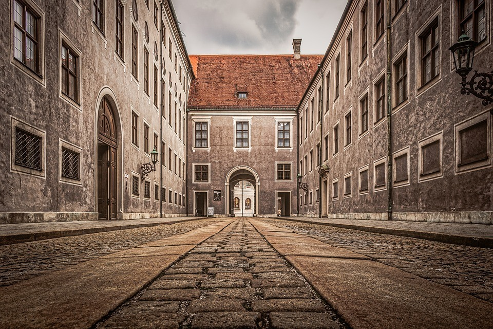 munich-architecture-street-old