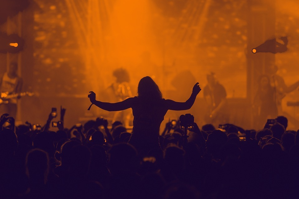 music-silhouette-concert-people