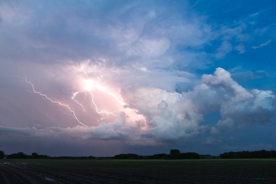 nature-cumulonimbus-storm-hunting