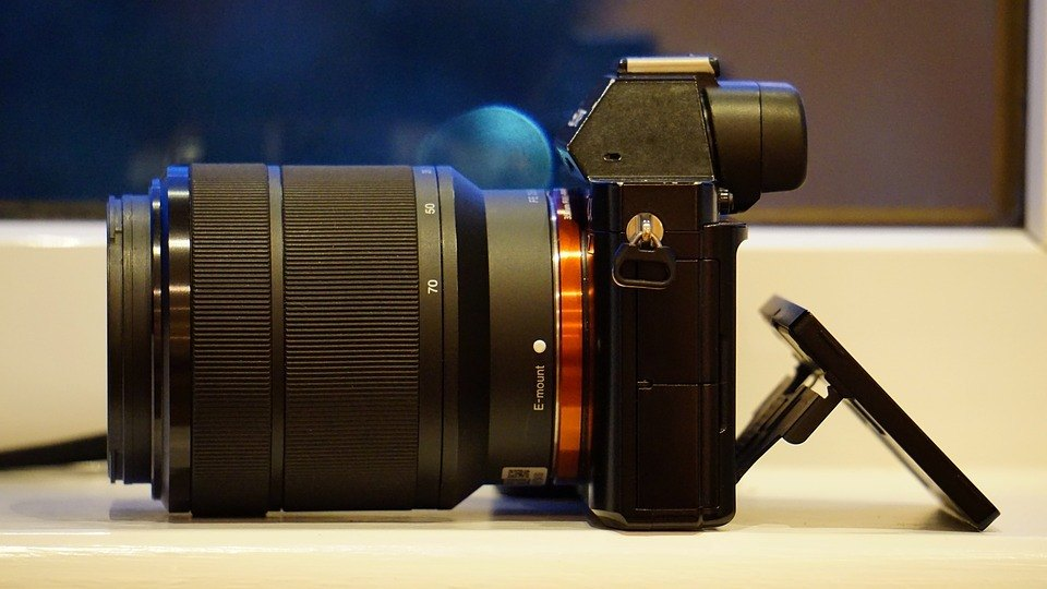 sony-camera-digital-lens